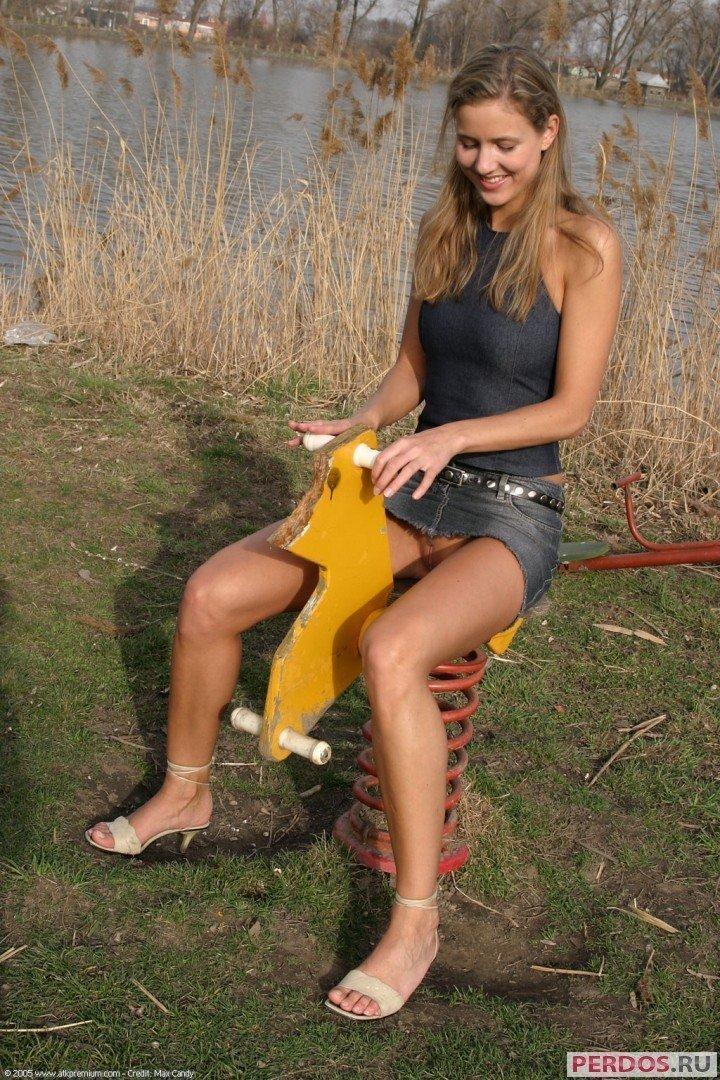 фотоподборка русские ножки в чулках за 30