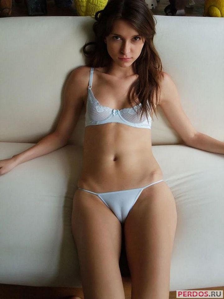 фотографии женского тела брюнетки
